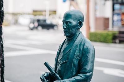 偉人モニュメント(SPOT10)近代医学の礎を築いた医学者 伊東玄朴、相良知安