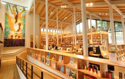 武雄市こども図書館