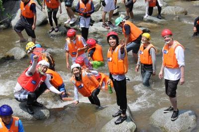 7月:国際渓流滝登りinななやま