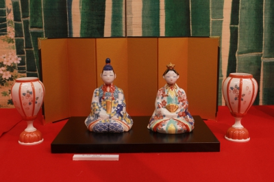 This festival of porcelain hina doll is held in Okawachiyama, the home of many hideaway kilns. Porcelain dolls unique to each kiln will be exhibited and sold.