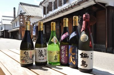 6 sake breweries in Kashima City open their doors to public at the same time and hold various events where visitors can enjoy tasting and purchasing sake (fees are charged in some parts of the event).  Welcoming events are held at Hizen Hamashuku and Yutoku Monzen Shopping Street.