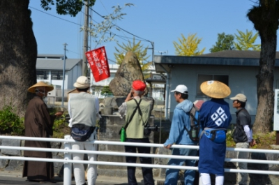 This is a walk-around-the-town event guided by a group of volunteers. Visitors will be able to see the traditional performance art held at each shrine and participate in the Ebisu-meguri stamp rally. The