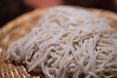 The Soba Kaido (Soba Way, the area spotted with many soba noodle shops) of Mitsuse allows you to enjoy authentic soba noodles in the laidback atmosphere of the country side away from the bustle of the city.