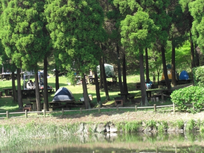 This is a camp site adjacent to Haccho Green Park. It's crowded with children's clubs and families during the summer. Tent rental service is available.