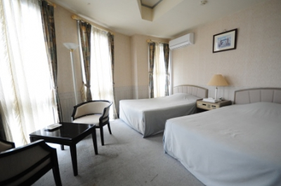 This hotel is very conveniently located within a walking distance from JR Karatsu Station and Bus Center and next to Karatsu City Hall! Internet access and wifi are fully available at all rooms. It also features a large bath room. Perfect place to provide comfortable accommodation for your business and sightseeing.