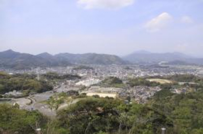 From the Mountain Promenade Observatory you will find in the A course of Olle (professional course), you can get a panoramic view of Takeo city. The contrast between the  view with the mountains and the cityscape of Takeo city is fascinating. .
