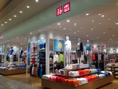 This is the largest UNIQLO branch in Saga. UNIQLO proposes a new concept of